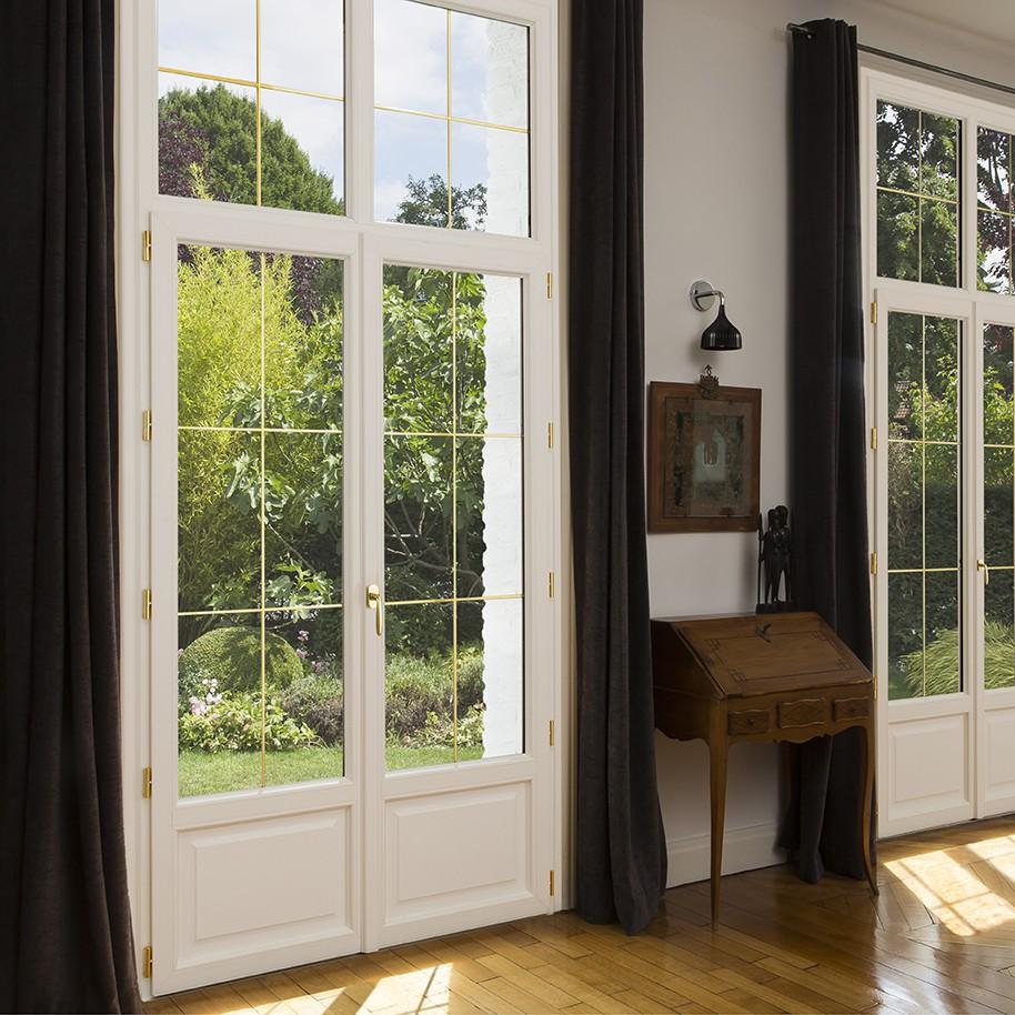Fenetre et porte fenetre pvc exceo heritage franciaflex for Porte fenetre double vitrage pvc