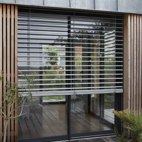 store v nitien ext rieur franciaflex. Black Bedroom Furniture Sets. Home Design Ideas